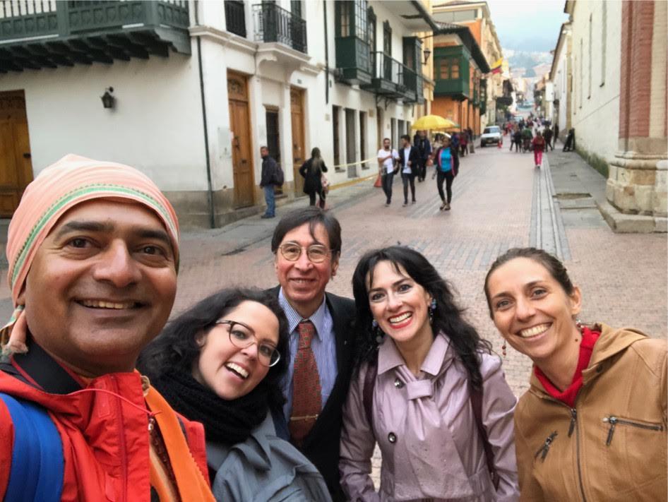 profesora de yoga colombia