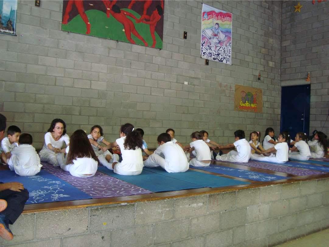 niños y yoga